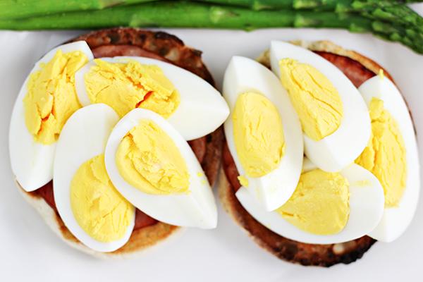 http://158.69.55.95/wp-content/uploads/2018/08/Hard-Boiled-Eggs-Benedict-Recipe-2.jpg