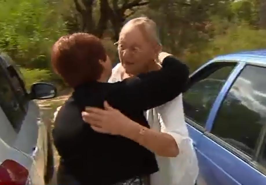 http://newsd.co/wp-content/uploads/2018/09/99_17.-Kathy-hugs-Carrol.png