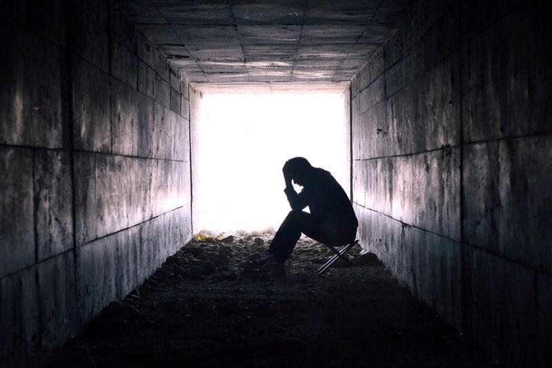 http://newsd.co/wp-content/uploads/2018/09/man-tunnel-depressed.jpg